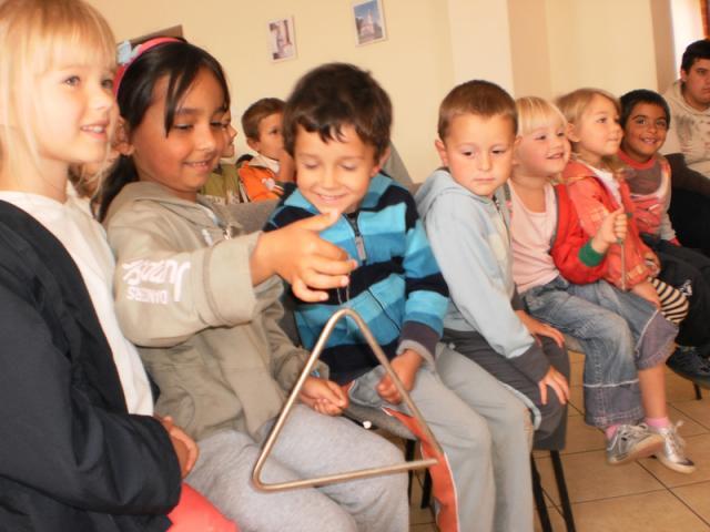 Általános Iskola Almamellék - A gyerekek interaktív módon, játékosan és örömmel vettek részt a programon