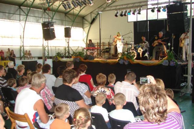 Napsugár óvoda - Könyvtári projekt Halász Judit koncert